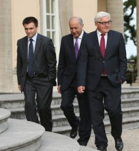 Pavlo Klimkin (L) with FM's Fabius & Steinmeier (--Getty)