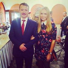 Igor Strelkov with Valentina Korienko. Valentina was abducted in Donetsk on September 22, 2015.