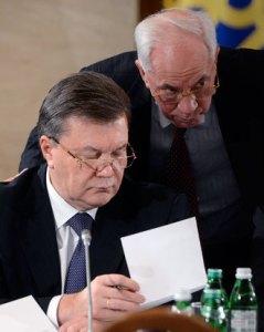 Viktor Yanukovich, Nikolay Azarov (--rt.com)