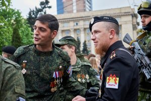 Motorola (right) with DPR Commander Givi